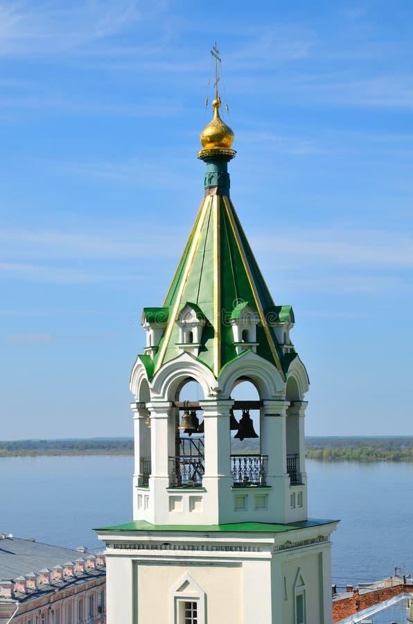 Belltower de la iglesia ortodoxa rusa vieja foto de archivo libre de regalías