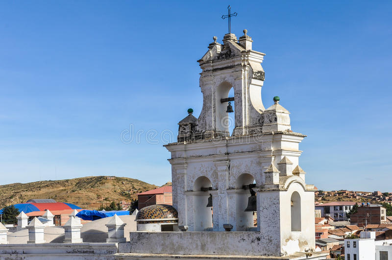Belltower do monastério de Felipe Neri no sucre, Bolívia fotos de stock