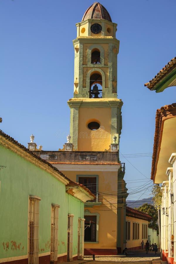 Belltower i Trinidad, Kuba arkivfoto