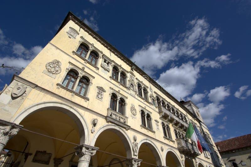 Belluno urząd miasta zdjęcia royalty free