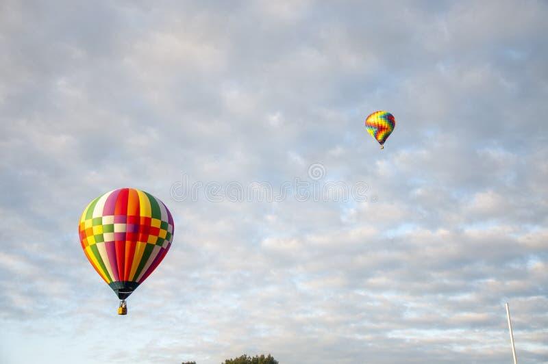 Belo Balão de Ar Quente Colorido - Trinta e Três fotos de stock