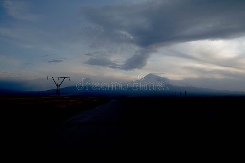 Belo e único Monte Ararat Vista da Armênia fotos de stock