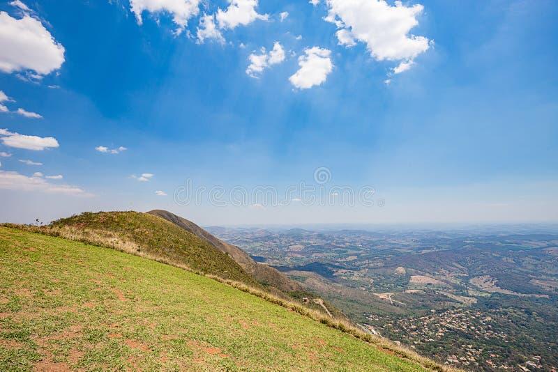 Belo Horizonte, Minas Gerais, Brasile Vista dalla parte superiore del mondo immagini stock