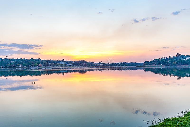 Belo Horizonte, Minas Gerais, Brasilien Ansicht von Pampulha See in s lizenzfreie stockfotografie