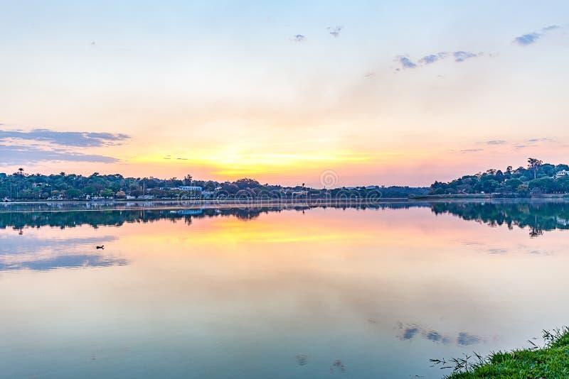 Belo Horizonte Minas Gerais, Brasilien Sikt av Pampulha sjön i s royaltyfri fotografi