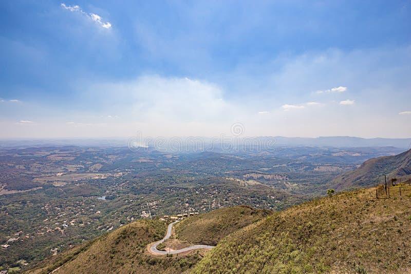 Belo Horizonte, Minas Gerais, Brazilië Glijscherm die vanaf bovenkant vliegen stock afbeeldingen