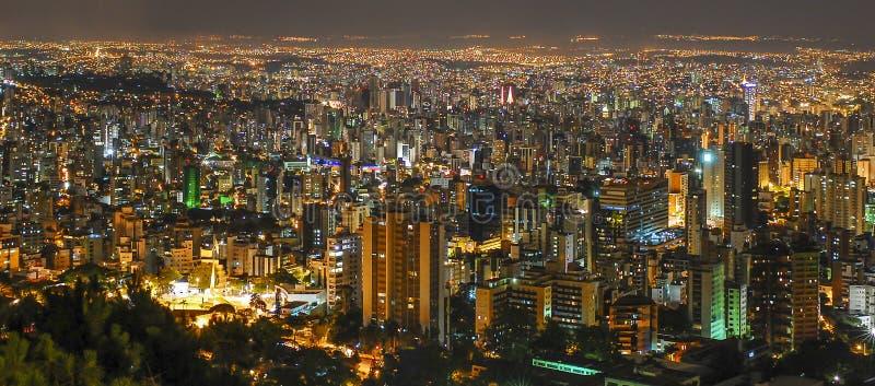Belo Horizonte par nuit photos stock