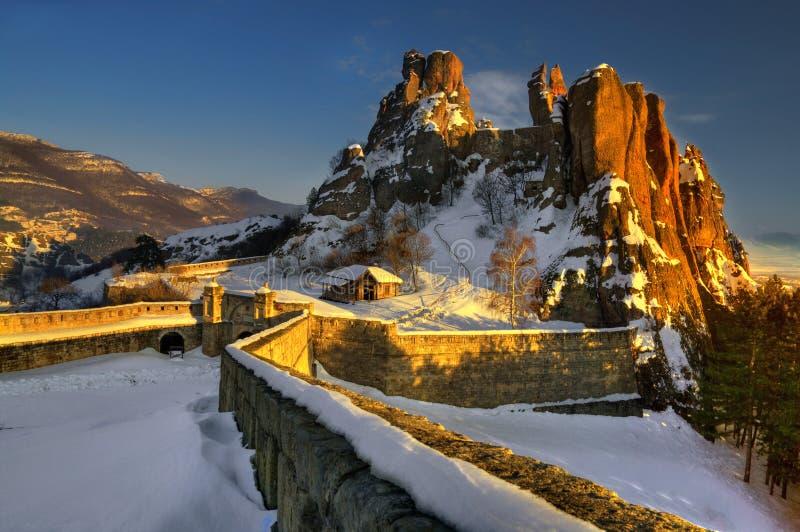 Belogradchik трясет /Belogradchishki skali/и крепость Belogradchik стоковая фотография rf