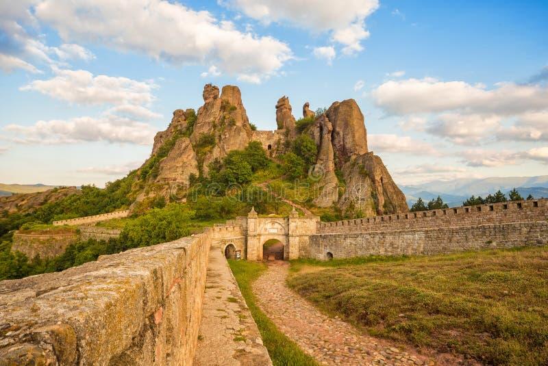 Belogradchik forteczny wejście i skały zdjęcie stock