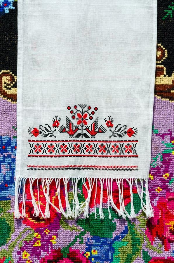 Belorussian handduk med tappningprydnaden arkivbild