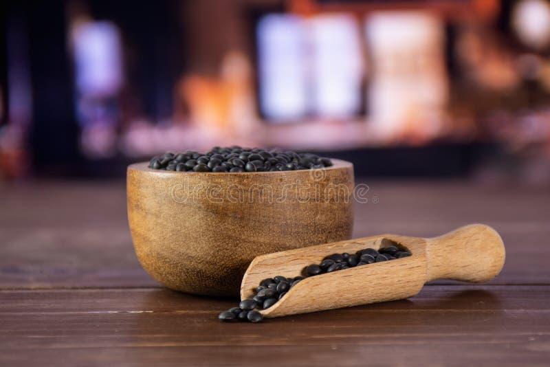 Beluga nero delle lenticchie con il ristorante fotografia stock