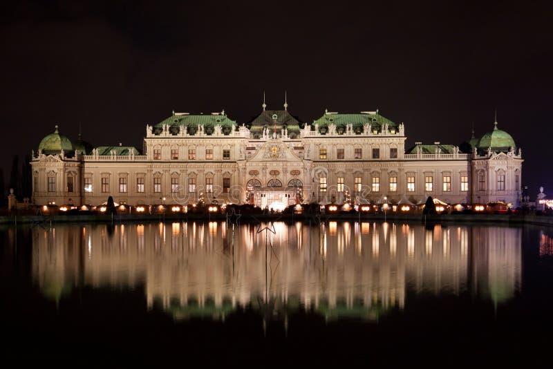 Belvédère de Schloss la nuit. photo libre de droits