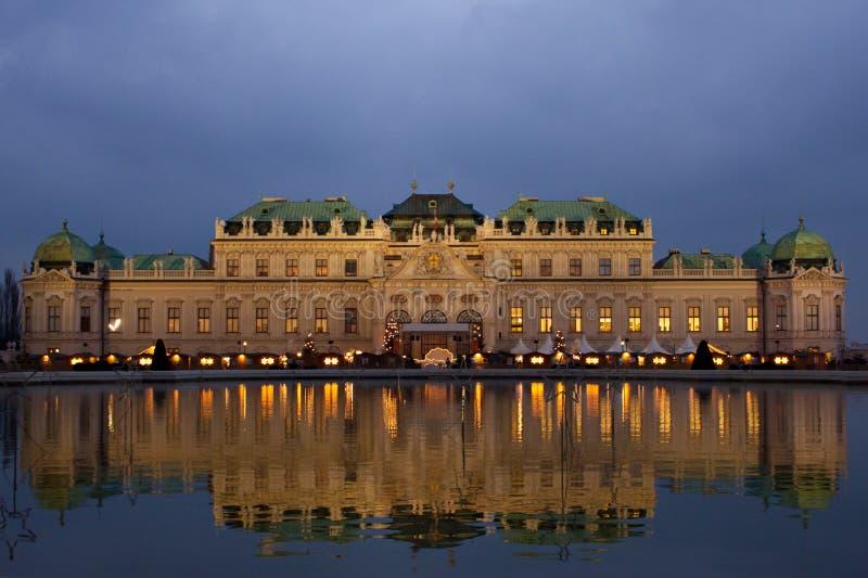 Belvédère de Schloss la nuit. photographie stock