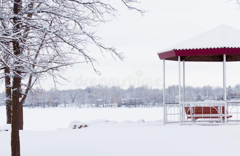 Belvédère en hiver photo stock