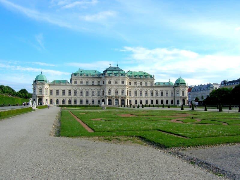 Belvedere is een historische complexe reeks op een park, die uit vier gebouwen bestaan Beroemde plaats voor toerist in Wenen royalty-vrije stock fotografie
