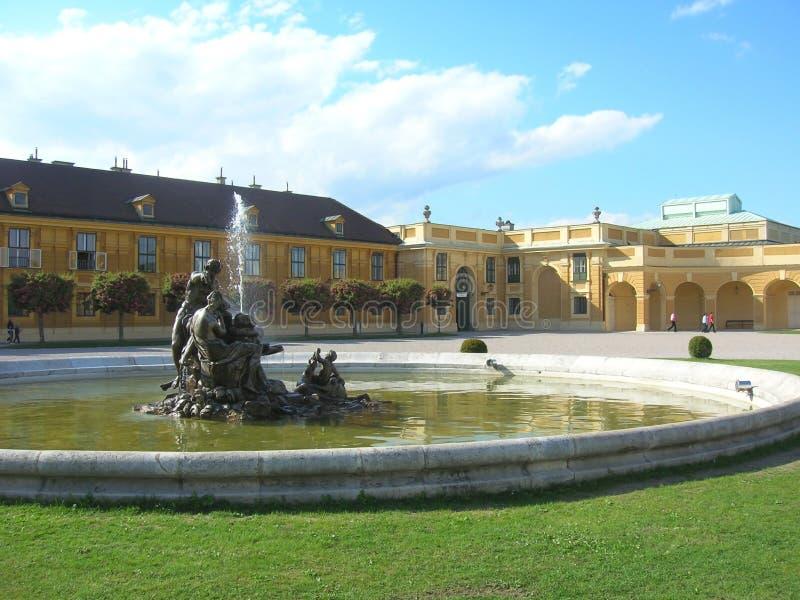 Belvedere is een historische complexe reeks op een park, die uit vier gebouwen bestaan Beroemde plaats voor toerist in Wenen stock afbeeldingen