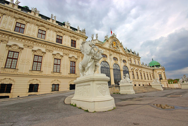 Download Belvedere-Palast in Wien stockbild. Bild von architektur - 96925729