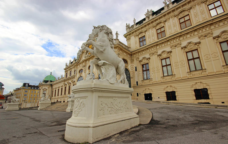 Download Belvedere-Palast in Wien stockbild. Bild von außen, historisch - 96925891