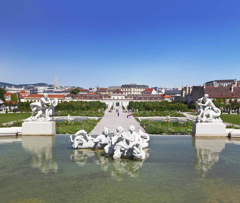 Belvedere-Palastkomplex wien Brunnen auf der unteren Ebene lizenzfreie stockbilder