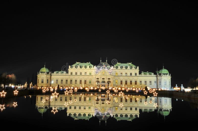 Belvedere 's nachts paleis royalty-vrije stock fotografie