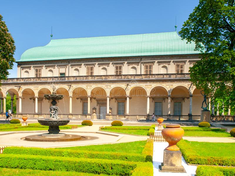 Belweder - Królewski królowej Anne ` s lata pałac blisko Praga kasztelu, Hradcany, Praga, republika czech obrazy royalty free