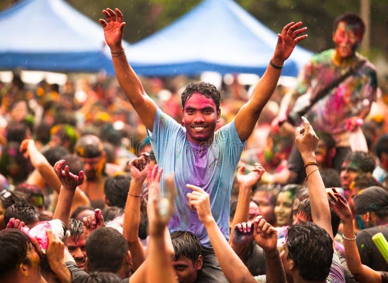 Den Holi festivalen av färgar royaltyfri fotografi