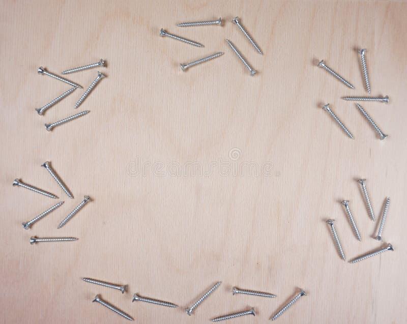 Bemanningen bij houten achtergrond met exemplaarruimte voor uw eigen tekst voor een workshop, uitnodiging, fathersday hulpmiddele royalty-vrije stock afbeelding