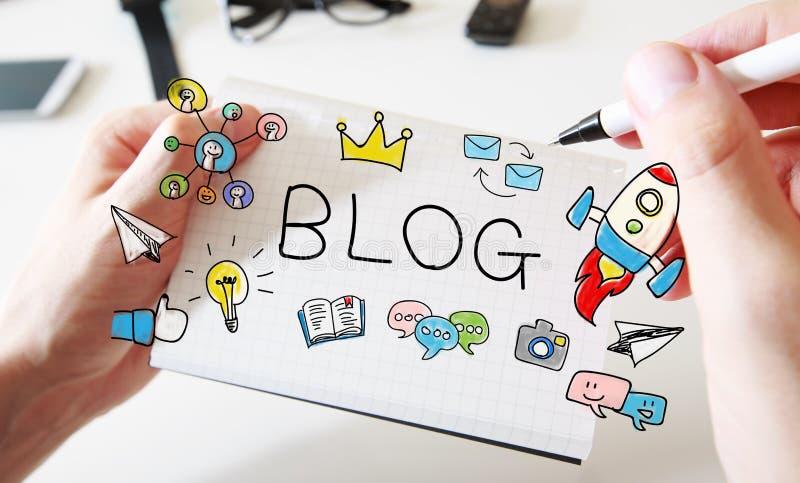 Bemannt Handzeichnung Blogkonzept auf Notizbuch stockfoto