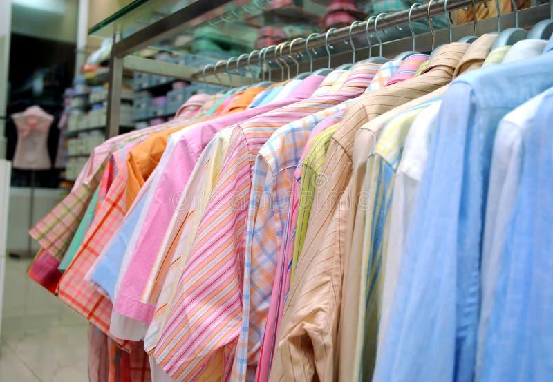 Bemannt Hemden lizenzfreie stockbilder