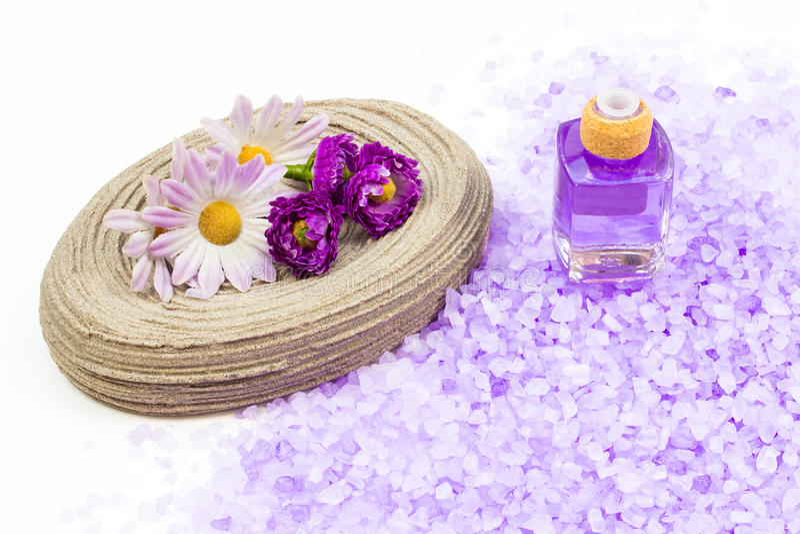 Bemerkt aromatherapy bad stock afbeelding