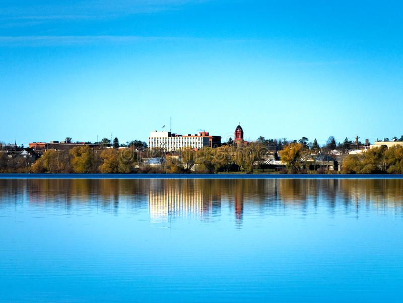Bemidji,明尼苏达反射横跨湖欧文被看见在镇静好日子 库存照片