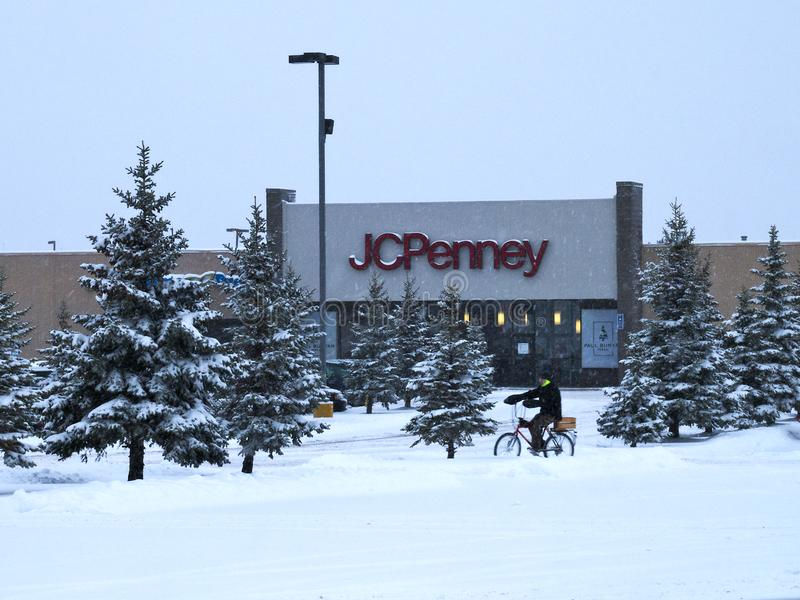 BEMIDJI, MANGAN - 27. DEZEMBER 2018: Eingang JC Penney Retail Mall im Winter lizenzfreie stockfotos