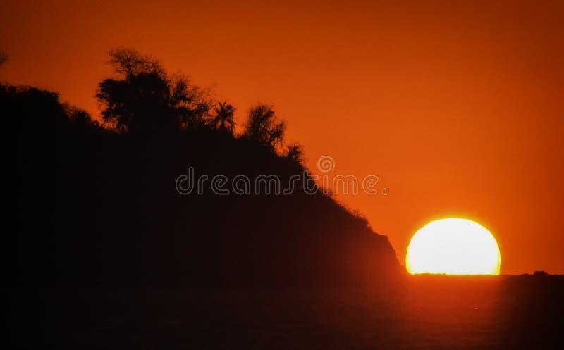 Bemoeiziek is de zonsondergang, Madagascar stock foto's