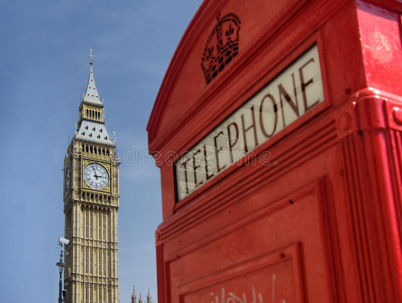 ben μεγάλο κόκκινο τηλέφωνο  στοκ φωτογραφίες