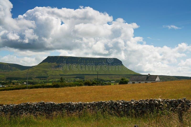 Ben Bulben, Sligo, Irlanda foto de archivo