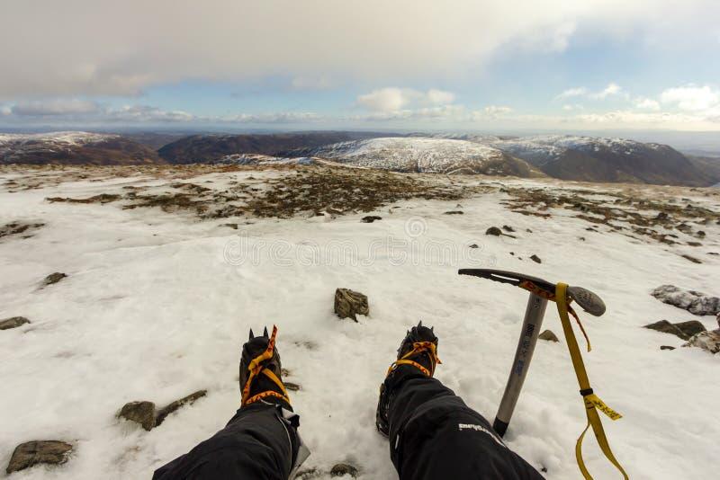 Ben Chonzie, Perth en Kinross/het Verenigd Koninkrijk - 14 Maart, 2019: Een mening van een bergbeklimmer met de nieuwe klassieke  royalty-vrije stock foto
