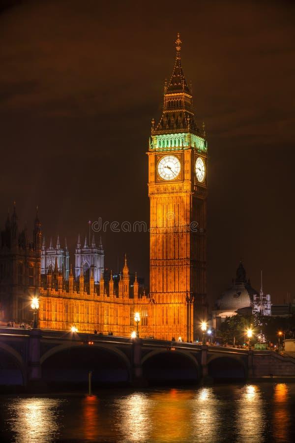 ben duży zegarowy London noc wierza obrazy stock