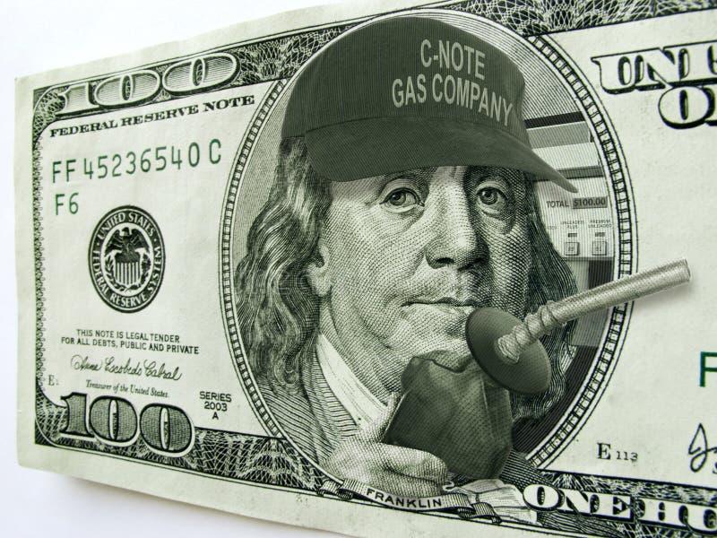 Ben Fanklin mit Hut-und Gas-Pumpe auf hundert Dollarschein stockbilder