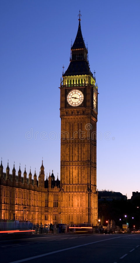 Ben grande em Londres na noite. imagem de stock