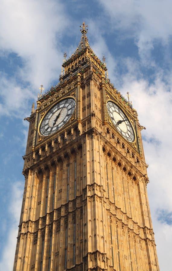 Ben grande es carillones ingleses famosos del reloj en Londres imagen de archivo libre de regalías