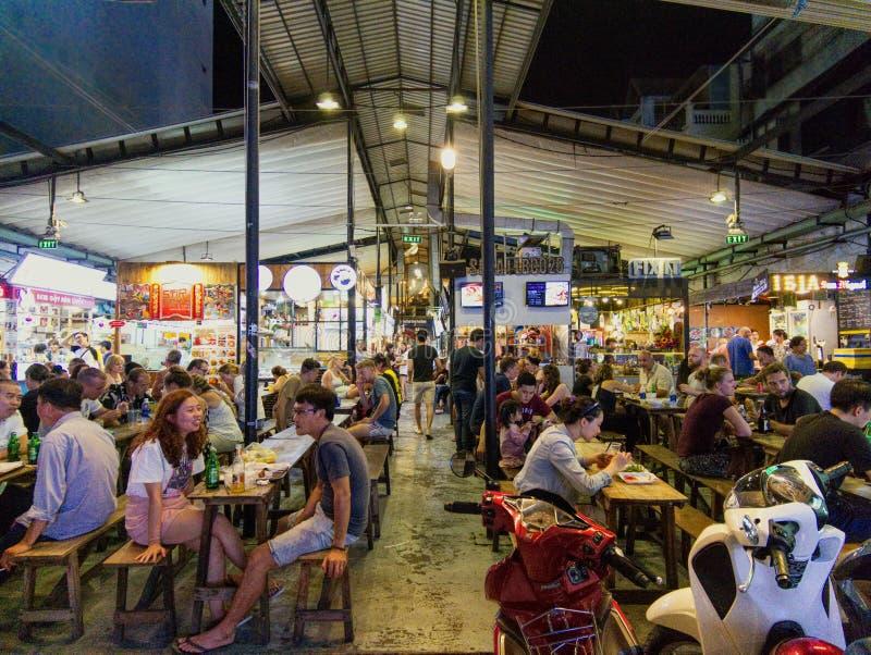 Ben Thanh matmarknad i Ho Chi Minh City i Vietnam royaltyfri foto