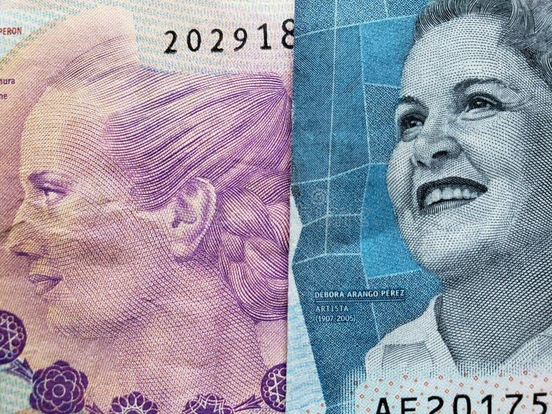 benadering van Argentijns bankbiljet van 100 peso's en Columbiaans bankbiljet van 2000 peso's