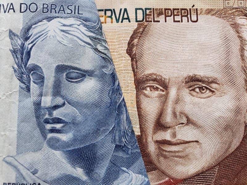 benadering van Braziliaans bankbiljet van twee reais en Peruviaans bankbiljet van twintig zolen