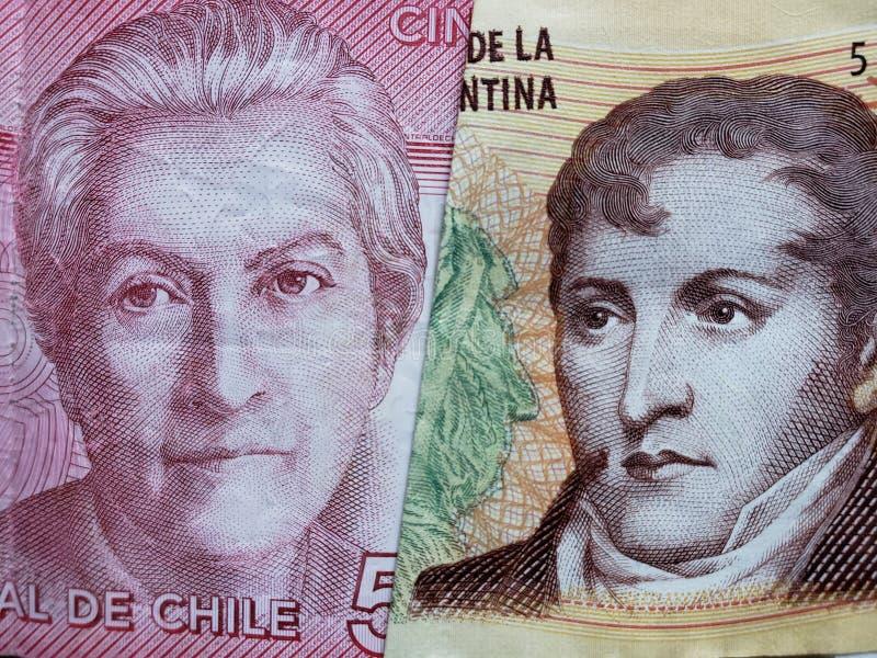 benadering van Chileens bankbiljet van 5000 peso's en Argentijns bankbiljet van tien peso's