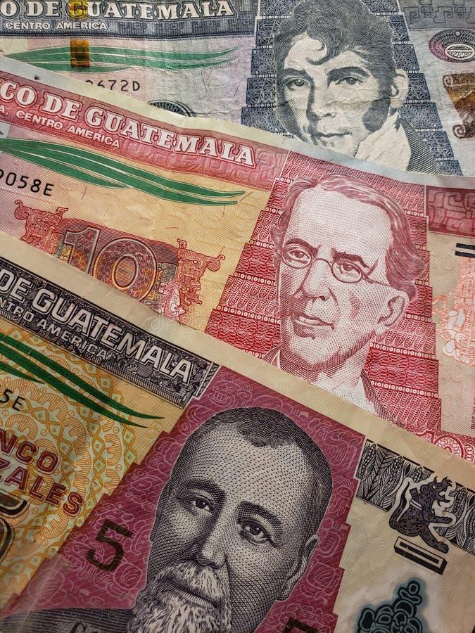 benadering van Guatemalaanse bankbiljetten van verschillende benamingen, achtergrond en textuur