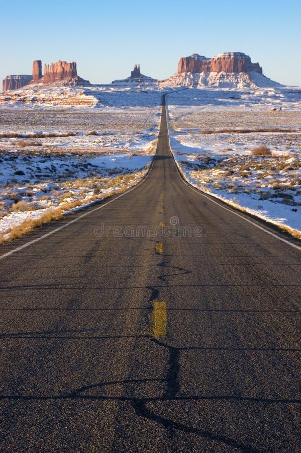 Benadering van het Park van Navajo van de Vallei van het monument de Indische Stammen stock afbeelding