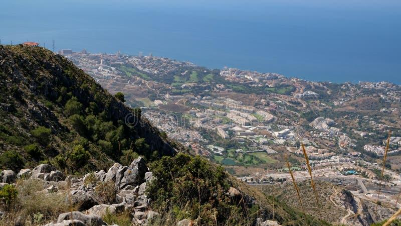 BENALMADENA, ANDALUCIA/SPAIN - 7月7日:从登上Calamorr的看法 库存图片