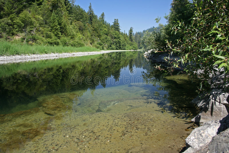 benbow ποταμός χελιών Καλιφόρνι& στοκ φωτογραφία με δικαίωμα ελεύθερης χρήσης