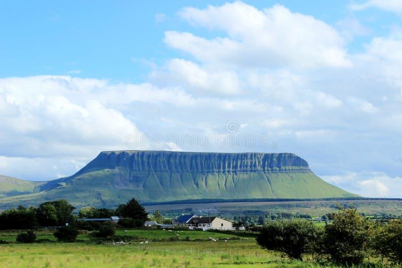 Benbulbin, condado Sligo, Irlanda foto de archivo