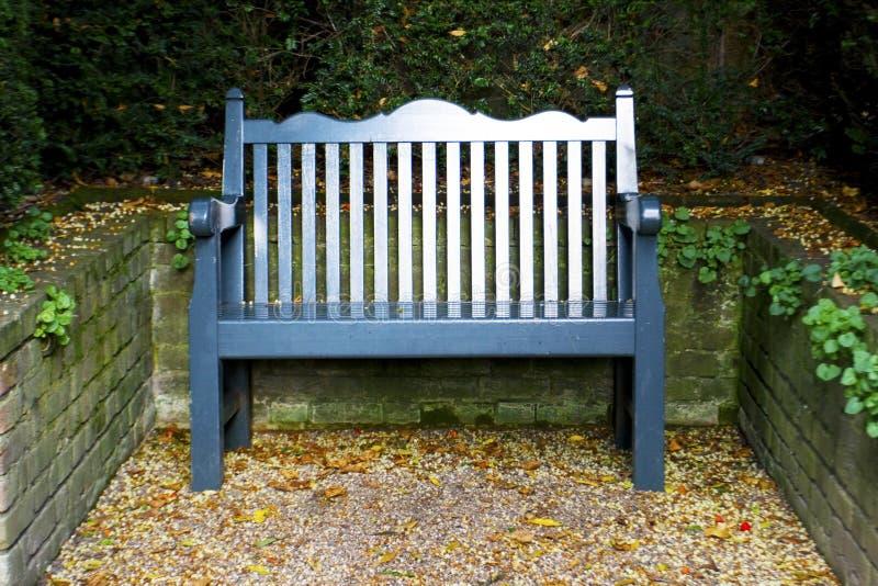 bench сад стоковое изображение